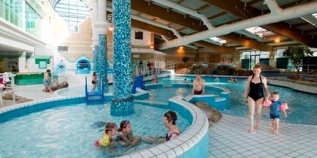 Surrey mummy some great family days out for Outdoor swimming pool leicester